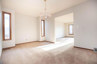 Photo 5: 135 Mayfield Crescent in Winnipeg: Charleswood Residential for sale (1G)  : MLS®# 202011350