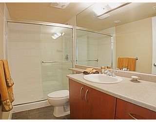 Photo 7: 1606 235 GUILDFORD Way in Port_Moody: North Shore Pt Moody Condo for sale (Port Moody)  : MLS®# V772912