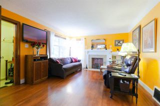 Photo 2: 341 W 22ND Avenue in Vancouver: Cambie House for sale (Vancouver West)  : MLS®# R2315172