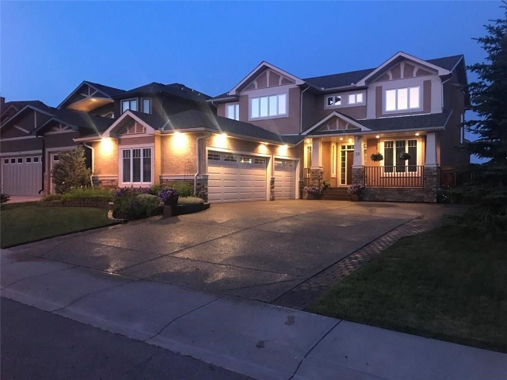 Main Photo: 38 Elmont Estates Manor SW in Calgary: Springbank Hill Detached for sale : MLS®# C4293332