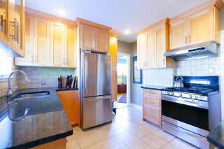 """Photo 4: 355 SHERBROOKE Street in New Westminster: Sapperton House for sale in """"Sapperton"""" : MLS®# R2332105"""