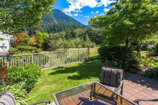 "Photo 19: 54 BEACH Drive: Furry Creek Townhouse for sale in ""Oliver's Landing"" (West Vancouver)  : MLS®# R2561672"