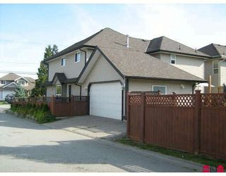 Photo 9: 18370 68TH Avenue in Surrey: Cloverdale BC House for sale (Cloverdale)  : MLS®# F2917637