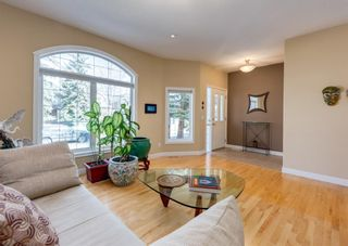 Photo 5: 2013 6 Avenue NW in Calgary: West Hillhurst Semi Detached for sale : MLS®# A1090473