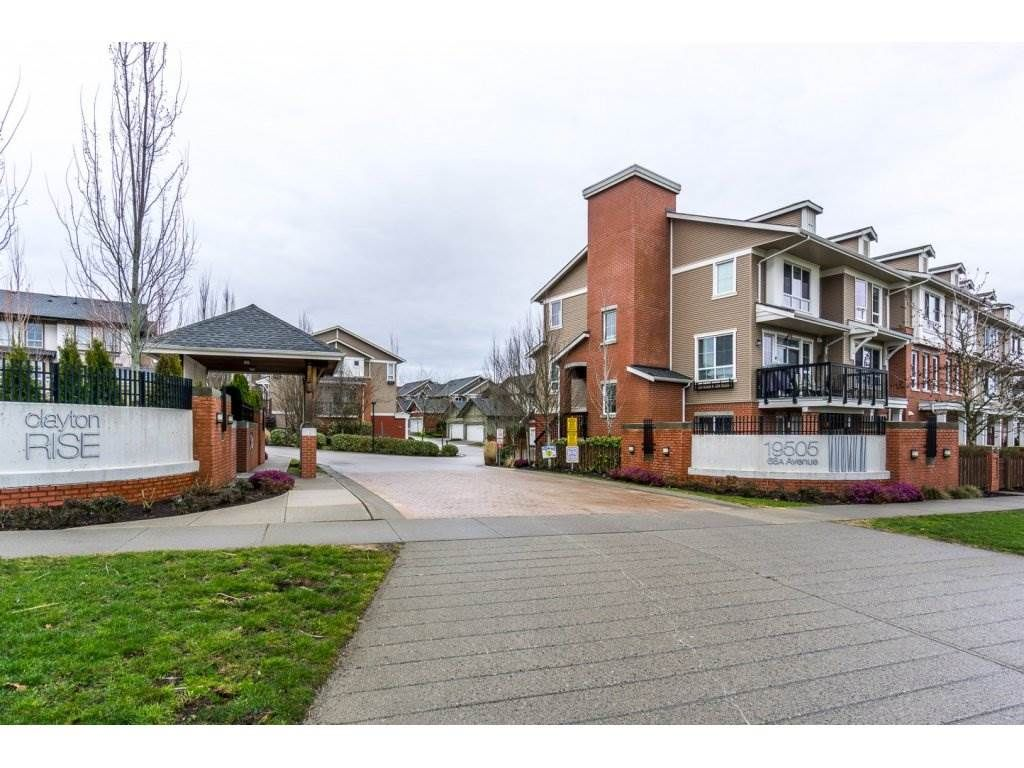 "Main Photo: 105 19505 68A Avenue in Surrey: Clayton Townhouse for sale in ""Clayton Rise"" (Cloverdale)  : MLS®# R2147610"