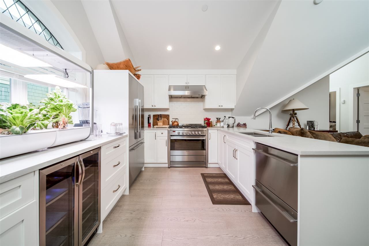 Main Photo: 1848 W 14TH Avenue in Vancouver: Kitsilano House for sale (Vancouver West)  : MLS®# R2526943