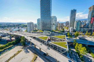 """Photo 21: 2306 550 PACIFIC Street in Vancouver: Yaletown Condo for sale in """"AQUA AT THE PARK"""" (Vancouver West)  : MLS®# R2580725"""