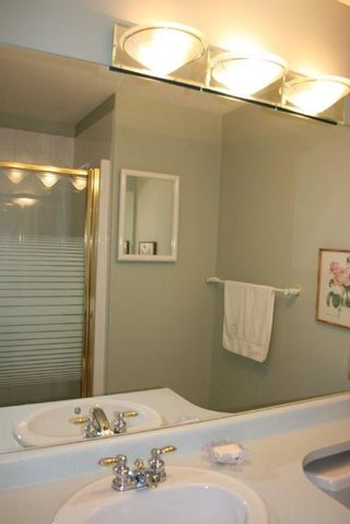 Photo 11: 203 1630 154 Street in Carlton Court: Home for sale : MLS®# F2925262