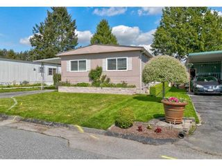 """Photo 5: 251 1840 160 Street in Surrey: King George Corridor Manufactured Home for sale in """"BREAKAWAY BAYS"""" (South Surrey White Rock)  : MLS®# R2574472"""
