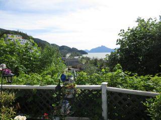 "Photo 4: 563 COPPER Drive: Britannia Beach Manufactured Home for sale in ""BRITANNIA BEACH"" (Squamish)  : MLS®# R2174336"