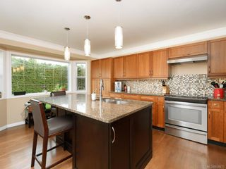 Photo 3: 1136 Lucille Dr in Central Saanich: CS Brentwood Bay House for sale : MLS®# 838973