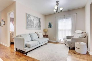 Photo 4: 38 Torrens Avenue in Toronto: Broadview North House (Bungalow) for sale (Toronto E03)  : MLS®# E5347377