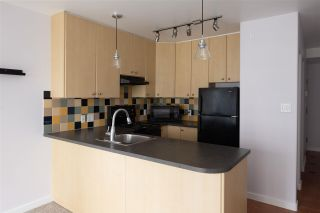 """Photo 5: 1207 819 HAMILTON Street in Vancouver: Downtown VW Condo for sale in """"819"""" (Vancouver West)  : MLS®# R2587770"""