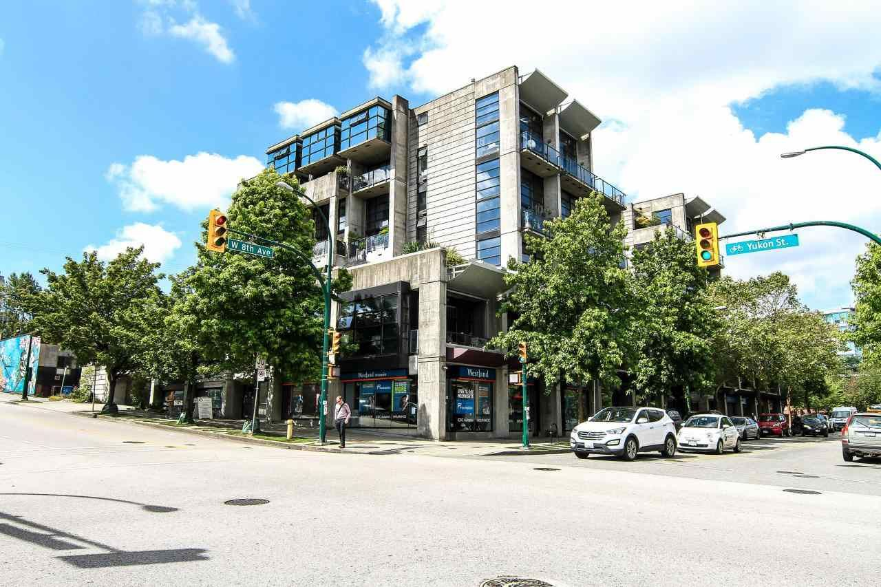 """Main Photo: 710 428 W 8TH Avenue in Vancouver: Mount Pleasant VW Condo for sale in """"XL LOFTS"""" (Vancouver West)  : MLS®# R2088078"""