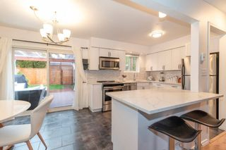 Photo 2: 784 APPLEYARD Court in Port Moody: North Shore Pt Moody House for sale : MLS®# R2541505