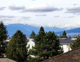 """Photo 1: 401 19130 FORD Road in Pitt Meadows: Central Meadows Condo for sale in """"BEACON SQUARE"""" : MLS®# R2546011"""