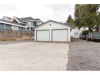 Photo 19: 18185 64 Avenue in Surrey: Cloverdale BC House for sale (Cloverdale)  : MLS®# R2253254