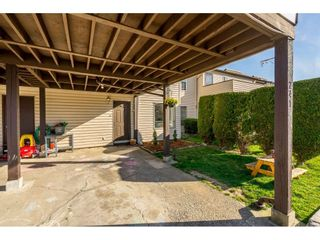 """Photo 2: 241 27411 28 Avenue in Langley: Aldergrove Langley Townhouse for sale in """"Alderview"""" : MLS®# R2355087"""