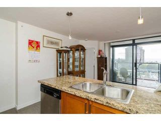 """Photo 7: 803 1 RENAISSANCE Square in New Westminster: Quay Condo for sale in """"THE Q"""" : MLS®# V1070366"""