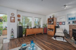 """Photo 3: 11 45152 WELLS Road in Chilliwack: Sardis West Vedder Rd Townhouse for sale in """"MAYBERRY LAND"""" (Sardis)  : MLS®# R2614722"""