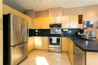 """Photo 5: 52 18828 69 Avenue in Surrey: Clayton Townhouse for sale in """"Starpoint"""" (Cloverdale)  : MLS®# R2340576"""