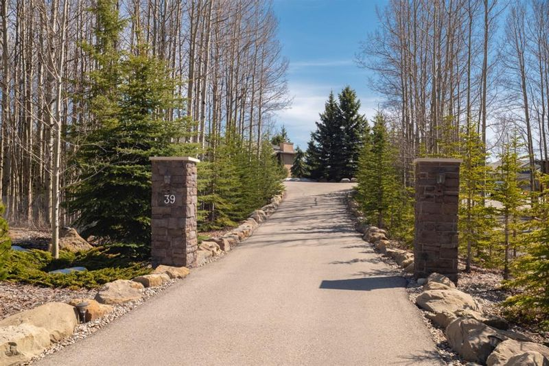 FEATURED LISTING: 39 Bearspaw Summit Place Rural Rocky View County