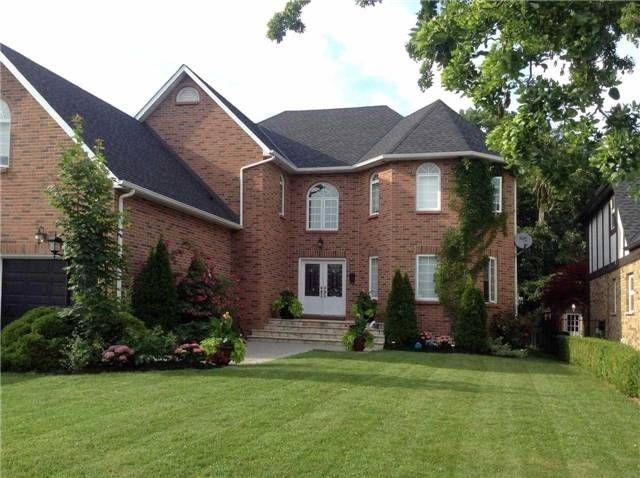 Main Photo: 27 Parkmanor Drive in Hamilton: Winona House (2-Storey) for sale : MLS®# X3577746