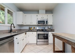 "Photo 5: 2742 SANDON Drive in Abbotsford: Abbotsford East 1/2 Duplex for sale in ""McMillan"" : MLS®# R2285213"