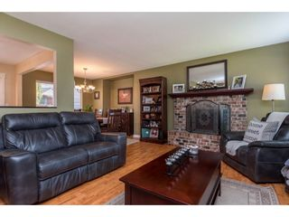 Photo 5: 3710 ROBSON Drive in Abbotsford: Abbotsford East House for sale : MLS®# R2561263