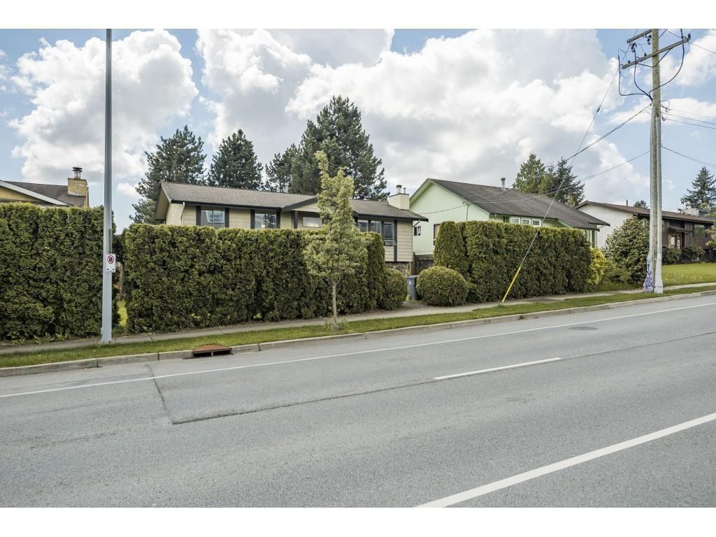 """Main Photo: 19558 64 Avenue in Surrey: Clayton House for sale in """"Bakerview"""" (Cloverdale)  : MLS®# R2575941"""