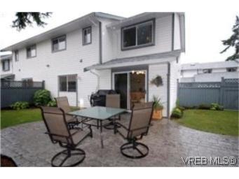 Main Photo: 6 2871 Peatt Rd in VICTORIA: La Langford Proper Row/Townhouse for sale (Langford)  : MLS®# 483983