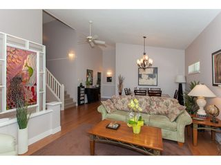 """Photo 3: 117 9012 WALNUT GROVE Drive in Langley: Walnut Grove Townhouse for sale in """"Queen Anne Green"""" : MLS®# R2184552"""