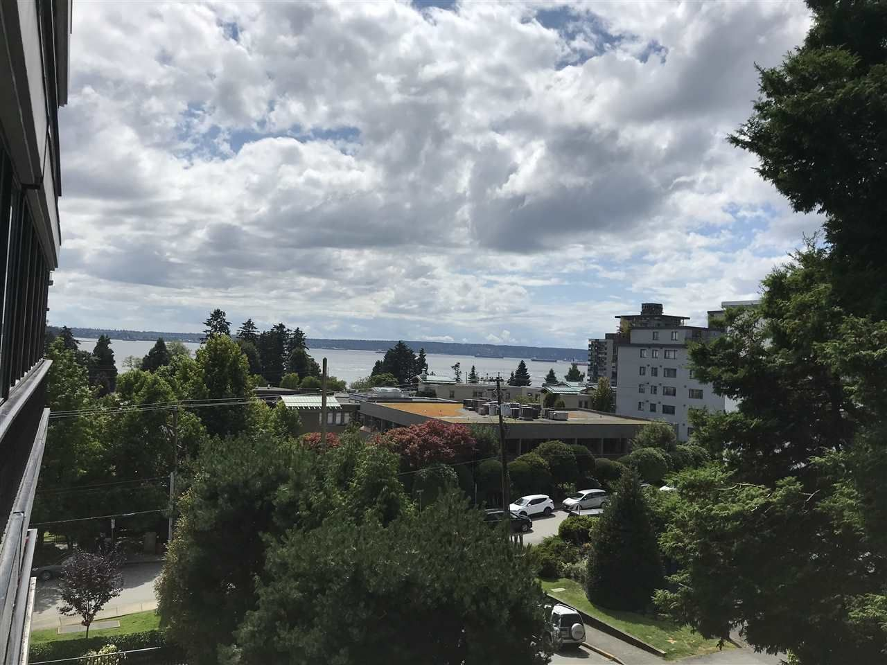 "Main Photo: 404 650 16TH Street in West Vancouver: Ambleside Condo for sale in ""Westshore Place"" : MLS®# R2540718"