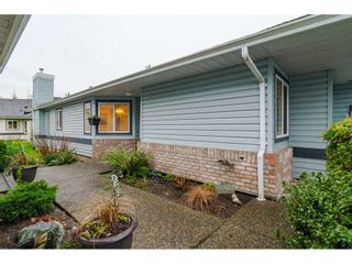 """Photo 2: 76 5550 LANGLEY Bypass in Langley: Langley City Townhouse for sale in """"Riverwynde"""" : MLS®# R2520087"""