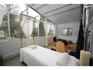 "Photo 11: 458 SHANNON Way in Tsawwassen: Pebble Hill House for sale in ""TSAWWASSEN HEIGHTS"" : MLS®# V1052172"