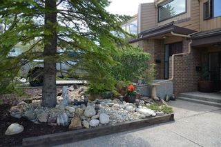 Photo 2: 18 1220 Prominence Way SW in Calgary: Patterson Row/Townhouse for sale : MLS®# A1133893