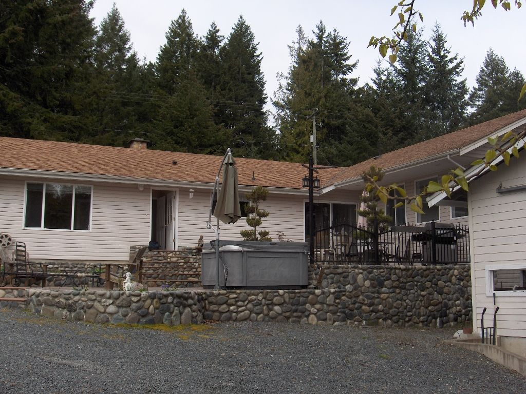 Photo 4: Photos: 4716 Cowichan Lake Road in Duncan: House  (FVREB Out of Town)  : MLS®# VIREB 287173