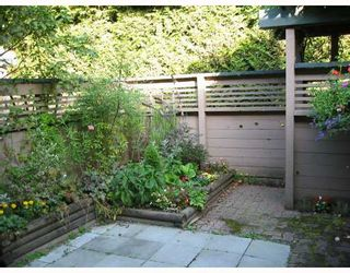"""Photo 2: 4019 ARBUTUS Street in Vancouver: Quilchena Townhouse for sale in """"ARBUTUS VILLAGE"""" (Vancouver West)  : MLS®# V728243"""