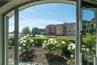 """Photo 10: 102 2 RENAISSANCE Square in New Westminster: Quay Condo for sale in """"The Lido"""" : MLS®# R2467538"""
