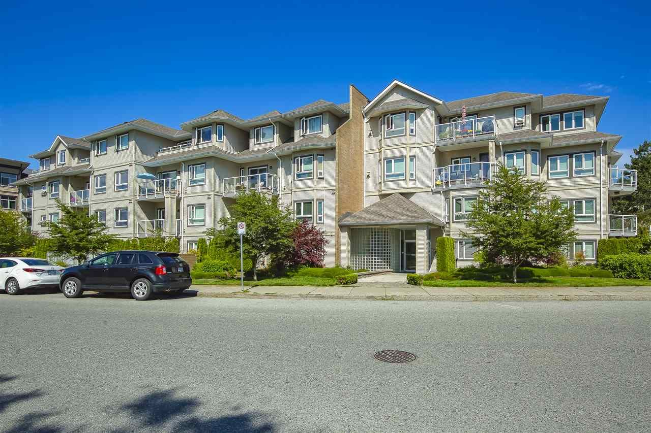 """Main Photo: 416 8142 120A Street in Surrey: Queen Mary Park Surrey Condo for sale in """"Sterling Court"""" : MLS®# R2471203"""