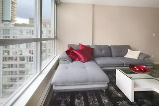 """Photo 11: 1202 833 SEYMOUR Street in Vancouver: Downtown VW Condo for sale in """"CAPITOL RESIDENCES"""" (Vancouver West)  : MLS®# R2066603"""