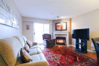 """Photo 2: 404 3668 RAE Avenue in Vancouver: Collingwood VE Condo for sale in """"RAE COURT"""" (Vancouver East)  : MLS®# R2350560"""