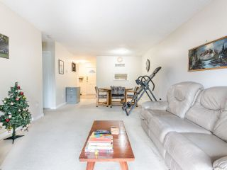 """Photo 4: 206 5191 203 Street in Langley: Langley City Townhouse for sale in """"Longlea"""" : MLS®# R2422119"""