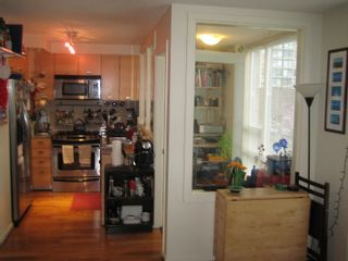 """Photo 6: 206 2483 SPRUCE Street in Vancouver: Fairview VW Condo for sale in """"SKYLINE ON BROADWAY"""" (Vancouver West)  : MLS®# V800976"""