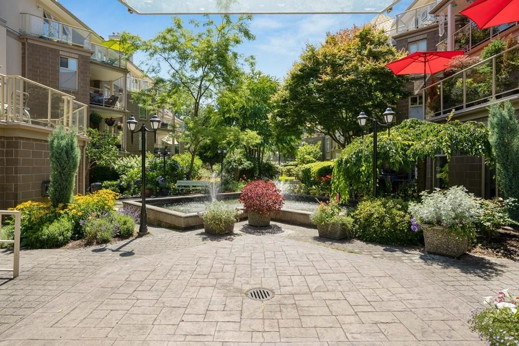 "Main Photo: 304 15350 19A Avenue in Surrey: King George Corridor Condo for sale in ""Stratford Gardens"" (South Surrey White Rock)  : MLS®# R2603239"