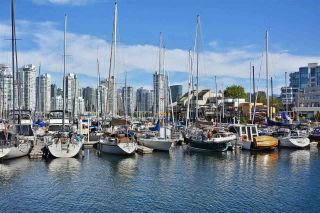 """Photo 18: 242 658 LEG IN BOOT Square in Vancouver: False Creek Condo for sale in """"HEATHER BAY QUAY"""" (Vancouver West)  : MLS®# R2404905"""
