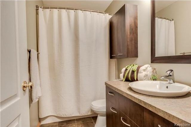Photo 7: Photos: 427 Dowling Avenue in Winnipeg: East Transcona Residential for sale (3M)  : MLS®# 1716134