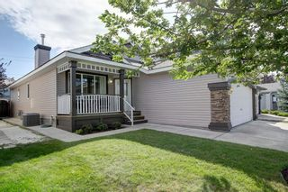 Photo 3: 185 Chaparral Common SE in Calgary: Chaparral Detached for sale : MLS®# A1137900