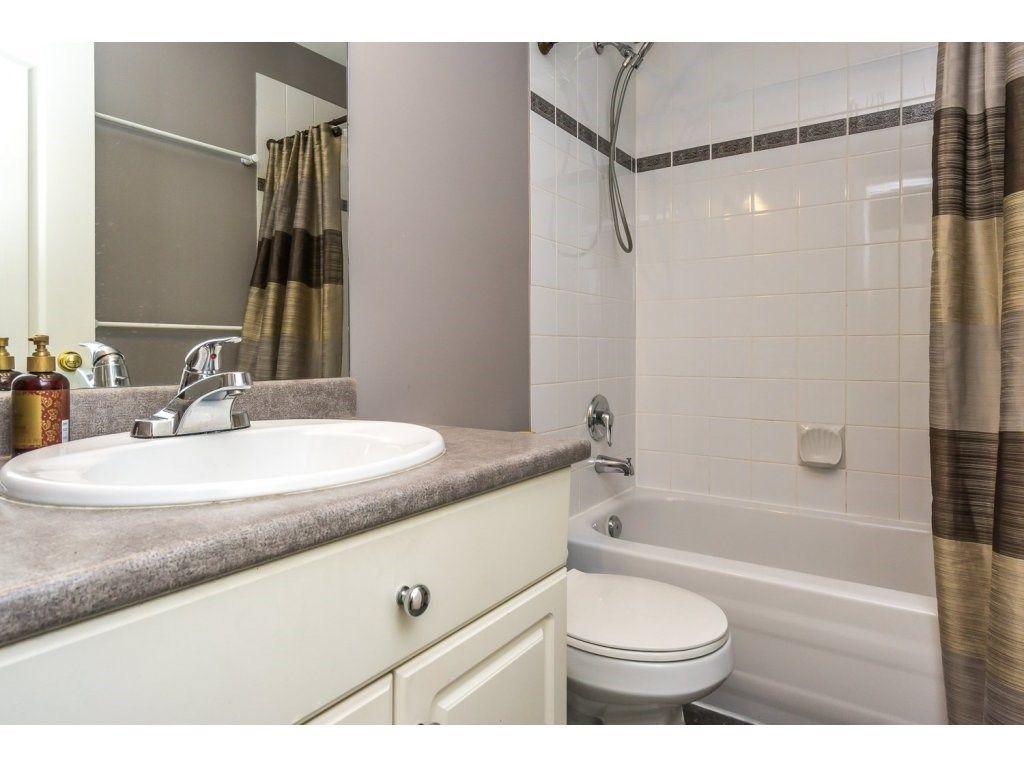 Photo 15: Photos: 9456 202B Street in Langley: Walnut Grove House for sale : MLS®# R2125683