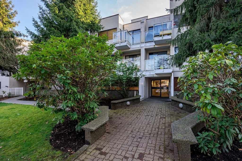 """Main Photo: 315 830 E 7TH Avenue in Vancouver: Mount Pleasant VE Condo for sale in """"The Fairfax"""" (Vancouver East)  : MLS®# R2540651"""